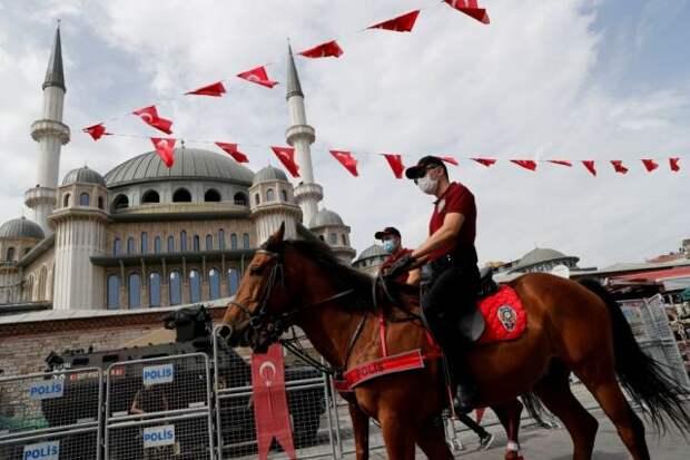 Российские туристы рассказали, как Турция готовится к полному локдауну