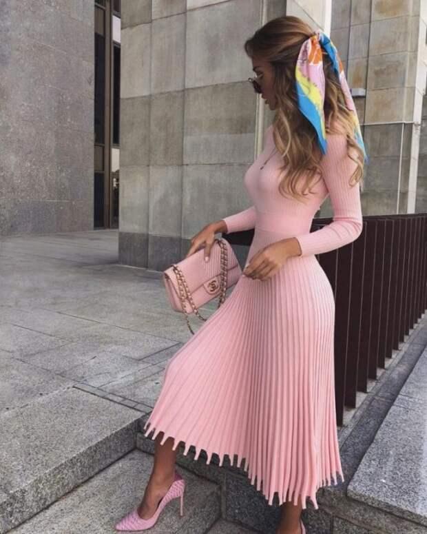 Какие цвета и фасоны платьев будут модными в 2021