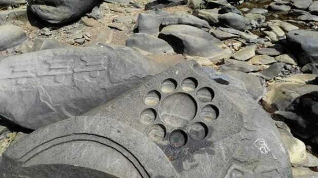 В Индии обнаружен артефакт, похожий на пульт управления «Звездными Вратами»