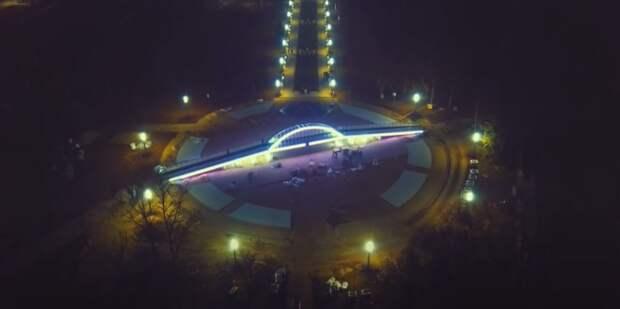 В Керчи потрескалась копия Крымского моста