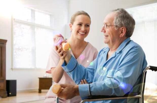 Зачем пожилому человеку нужна сиделка?