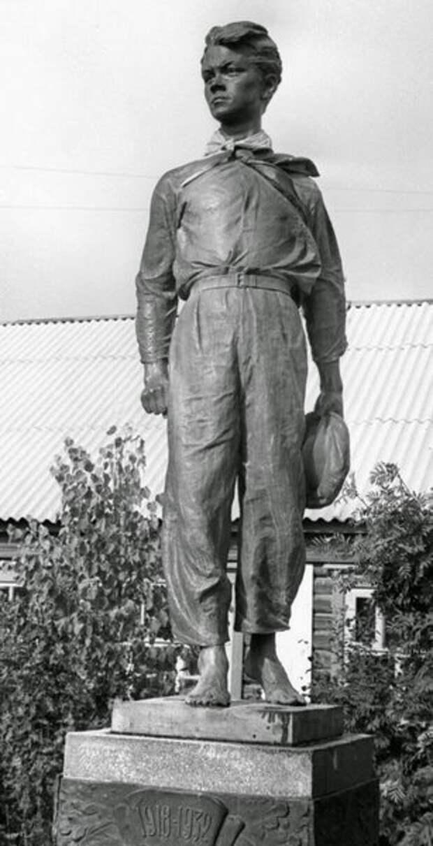 Памятник П. Морозову