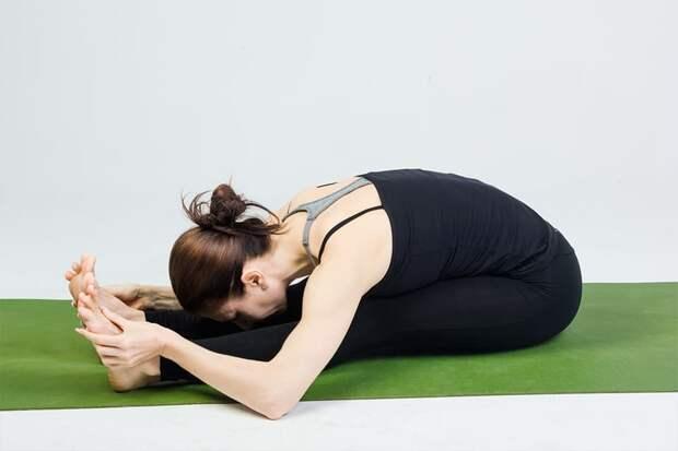 Как сесть на шпагат - упражнение складка