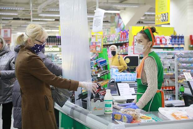 «Мы тоже на передовой, но героями нас не считают»: дневник продавца московского супермаркета