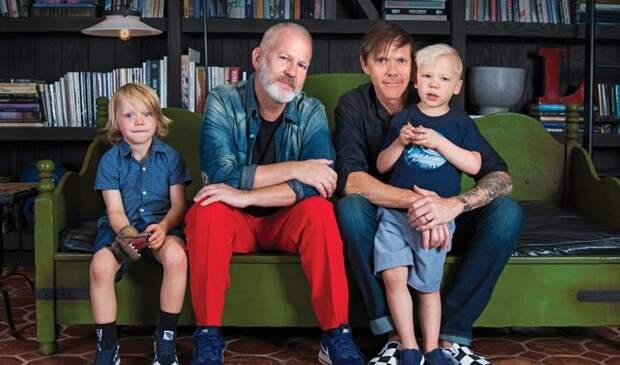 5 звездных гей-пар, которые завели детей