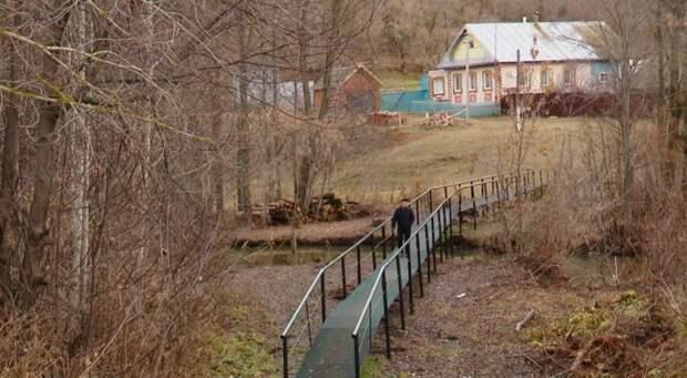 Жители Алнашского района вложились в строительство нового моста