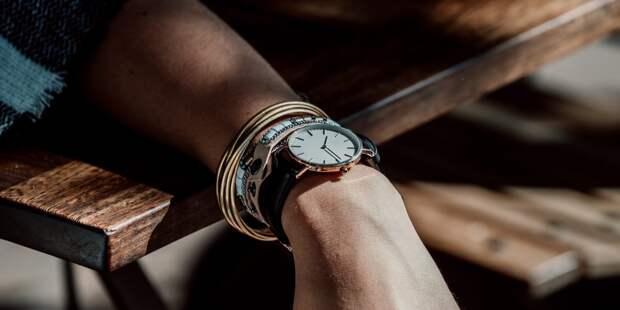 «Смартфонное» поколение не умеет определять время — опрос
