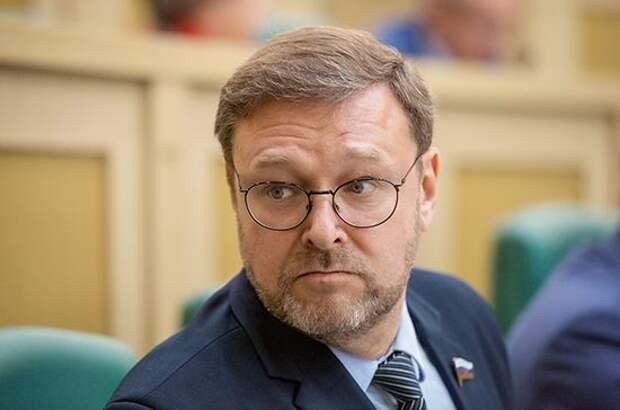 Косачев объяснил санкции США против разработчика российской вакцины от коронавируса