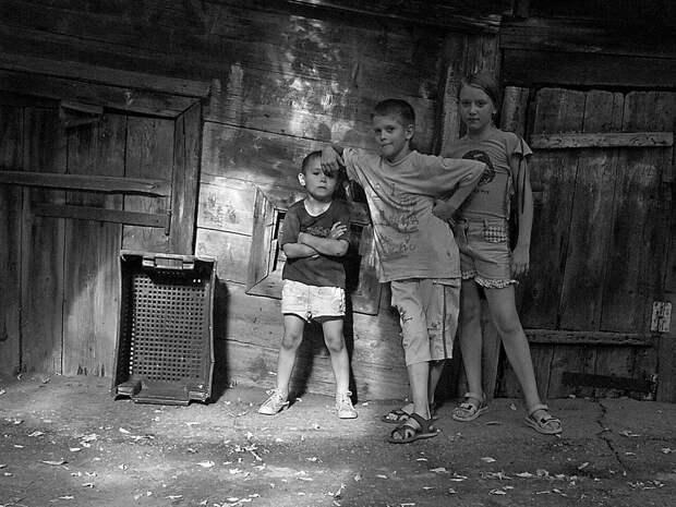 Неприкрашенная русская жизнь в арт-фотографиях Сергея Осьмачкина (ФОТО)