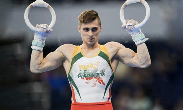 Тренер гимнастов показал технику подтягиваний: до 15 раз в подходе можно дойти за 10 дней. Видео