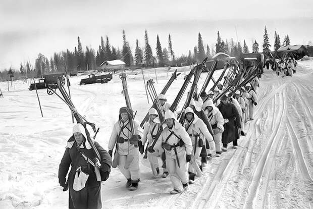 Лыжный батальон на марше. /Фото: skisport.ru
