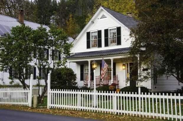 Почему некоторые американцы не ставят заборы перед домами? (2 фото)