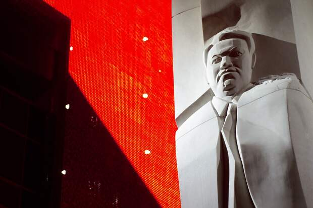 """Никита Михалков о подготовке переворота в России: """"Комиссары в кожанках покажутся детьми"""""""
