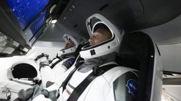 Crew Dragon успешно приводнился в Атлантике после трехдневной экспедиции на орбиту