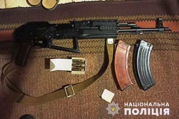 В Луганской области у мужчины изъяли оружие и боеприпасы
