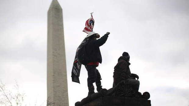 Демократия в США – всё. Следующий удар нанесут в Донбассе