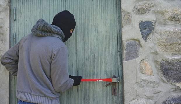 Охранник обчистил учебное заведение в Симферополе