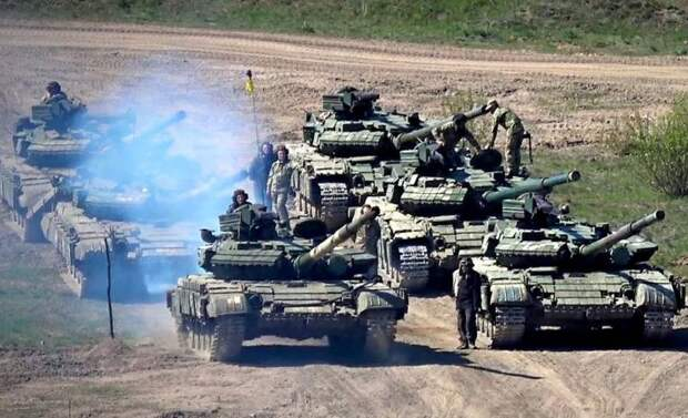 У границ ЛДНР находятся 460 единиц бронетехники ВСУ, включая сотни танков