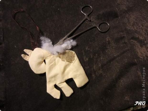Как сшить лошадку - символ 2014 Нового года. Мастер-класс (13) (520x390, 97Kb)