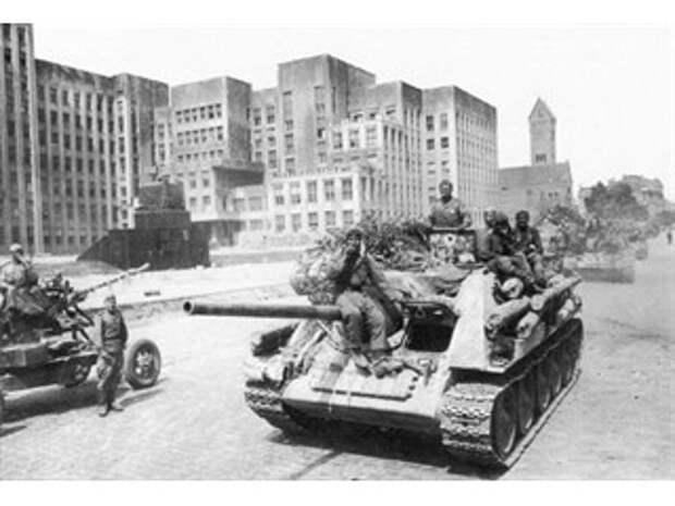 Белоруссия: День Победы в «не нашей войне»