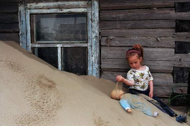 shoyna-sand-buried9