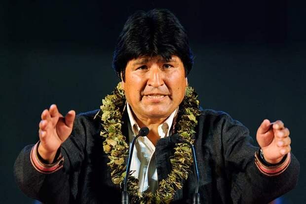 По итогам президентских выборов в Боливии, переизбран на четвертый срок Эво Моралес