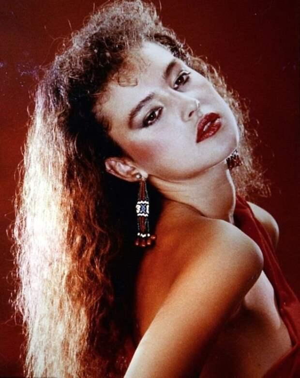 Потрясающие фотографии молодой Моники Белуччи в 1980-х годах