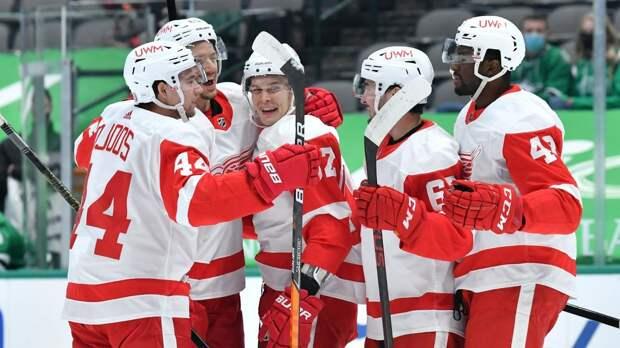 В составах сборной России на Олимпиаду все забыли о Наместникове. А он забивает за «Детройт» и центрит второе звено
