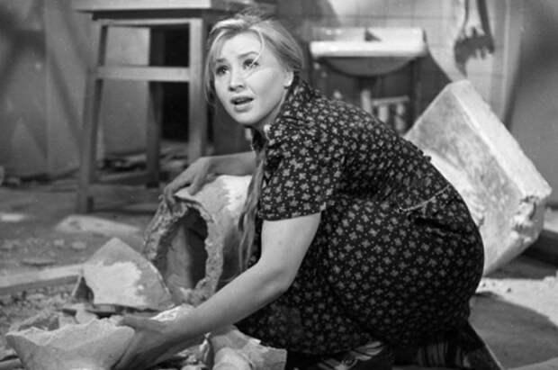Трагическая история Фроси Бурлаковой: Чем пришлось заплатить за всенародную любовь знаменитой актрисе