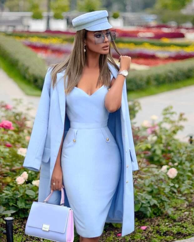 20 модных образов в голубом цвете 2021 для утонченных натур