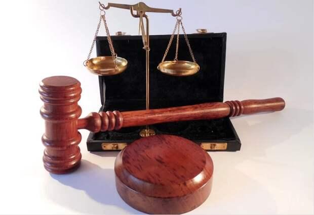 Отец и сын украли со стройки в Ижевске ценное имущество