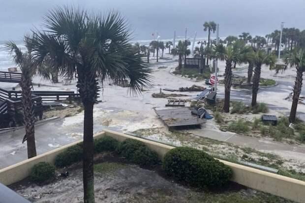 По США прошелся ураган Салли: один человек погиб, а более 500 тыс. остались без электричества