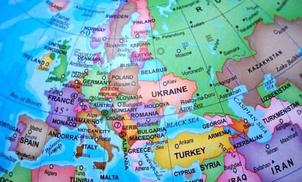 Европа выбрала саморазрушительный путь в борьбе с Россией