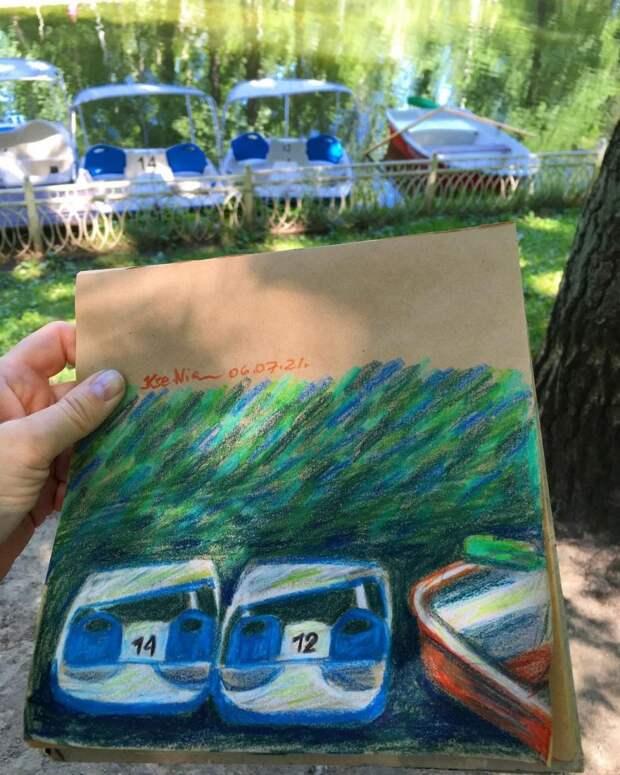 Фото дня: лодочная станция в Лианозове в роли музы для художников