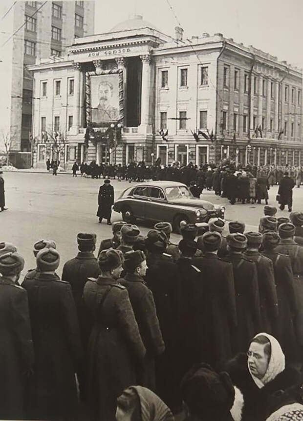 Самые масштабные похороны в СССР