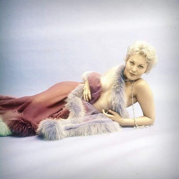 Зрелая красота Ким Новак