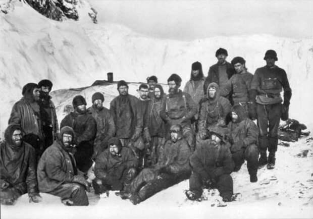 Два года в Антарктиде — как экспедиции Шеклтона удалось выжить и вернуться домой (4 фото + видео)