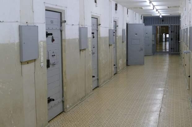 Школьник изнасиловал и ограбил пенсионерку в Кировской области