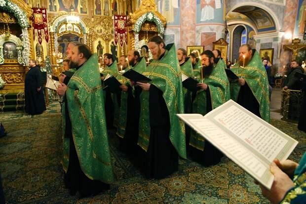 Патриарх Кирилл попросил у состоятельных прихожан финансовой помощи для священников