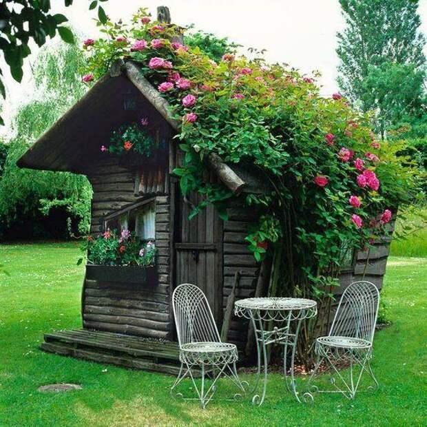 Деревянный садовый сарайчик