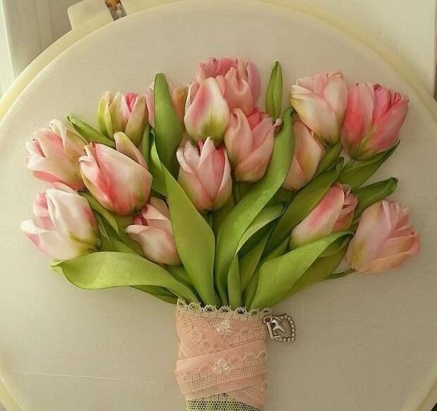 тюльпаны из ленточек
