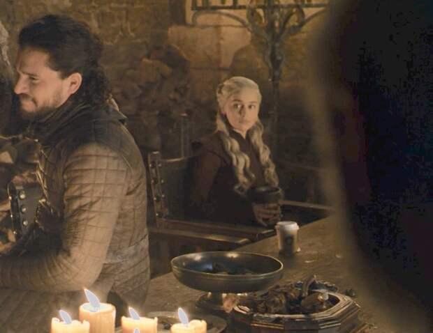 Стало известно, кто оставил стаканчик из Starbucks в «Игре престолов». Вот, кто подставил Дейнерис