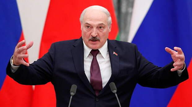 «Вторая польская кампания». В День народного единства Лукашенко преподал урок истории