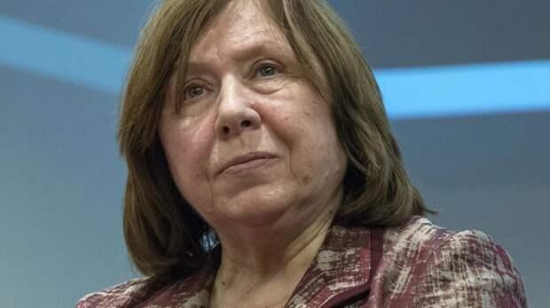 Нобелевского лауреата Светлану Алексиевич вызвали в СК Белоруссии