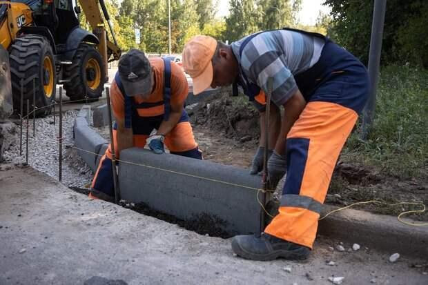 Ремонт дороги на улице Рауиса Гареева в Казани завершен на 40%