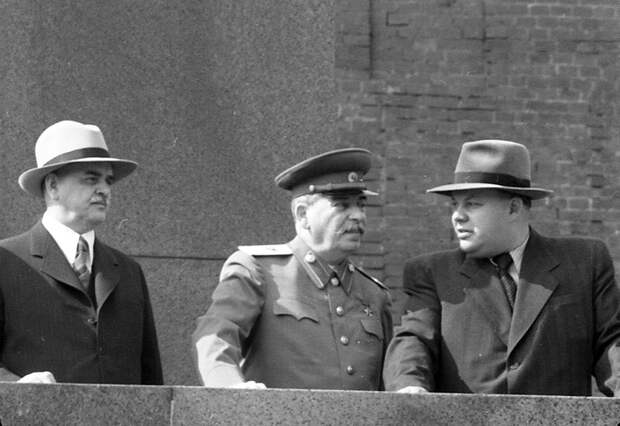 Курсант ударил Сталина на людях на Красной площади. Что было потом?