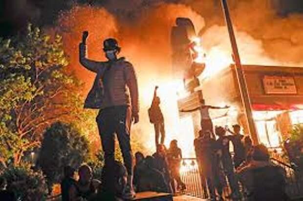 Причины и последствия массовых протестов с грабежами в США: попытка смены власти