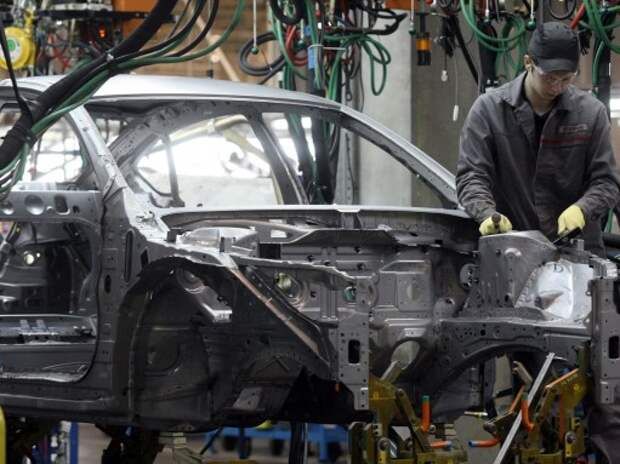 Приставы накладывали арест на завод Nissan в Санкт-Петербурге