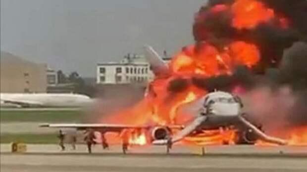 Наказаны полицейские, которые передали в Интернет видеозапись катастрофы Sukhoi Superjet-100