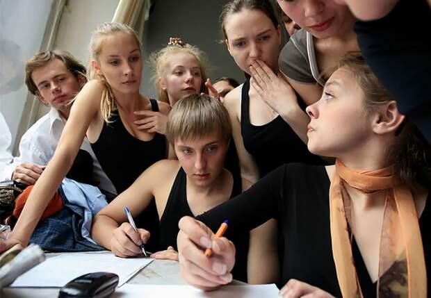 Театральным вузам разрешили провести вступительные экзамены очно